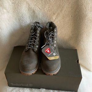 NIB Timberland waterproof boots